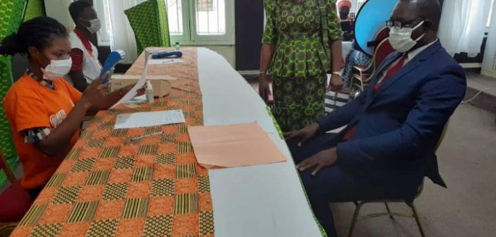 OPERATION NATIONALE POUR L'ETABLISSEMENT DES CARTES D'IDENTITES/ LES JOURNALISTES IVOIRIENS SE SONT ENROLES